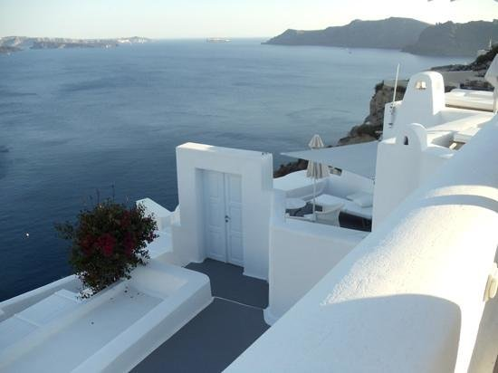 Canaves Oia Hotel: Loved the outer doors to the private verandas