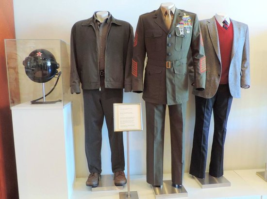 Warner Bros. Studio Tour Hollywood : Clint Eastwood clothes