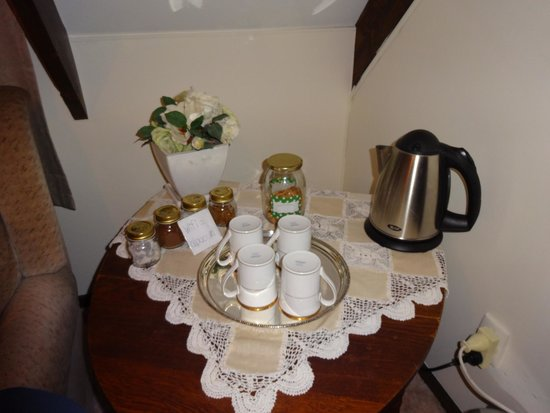 Willowbydowns Bed & Breakfast: Lovely choco set