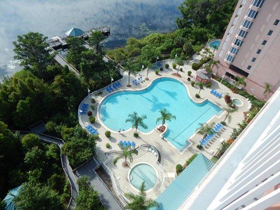 Blue Heron Beach Resort: Looking down at pool