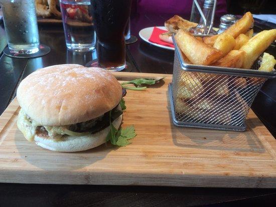 The Leopard Nantwich: Burger yum