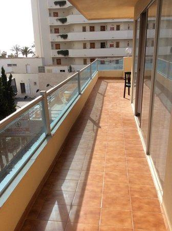 Playa Blanca Hotel : Wrap around balcony