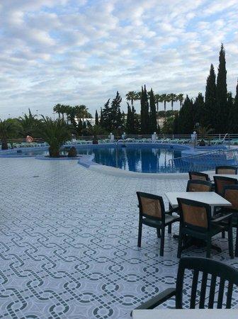 Playa Blanca Hotel : Nice clean pool area