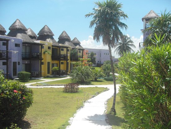 PavoReal Beach Resort Tulum: Gardens