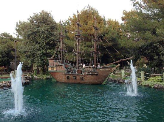 Solaris Hotel Ivan: Пиратский корабль.