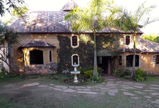 Castelar da Alvorada: Back view of the pousada.