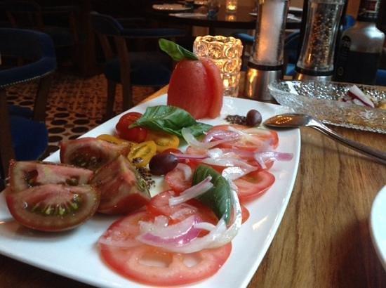 Hotel Cort: salade de tomates au diner