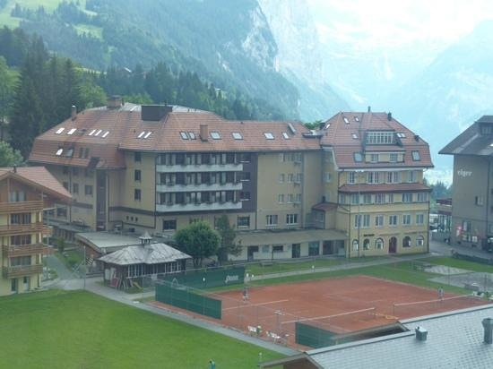 Hotel Silberhorn: The hotel from the cable