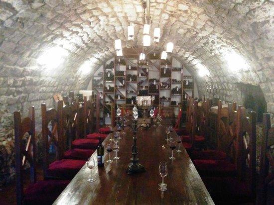 Scots Hotel : the wine cellar