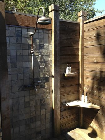Calistoga Ranch, An Auberge Resort: outdoor shower outside of master bathroom