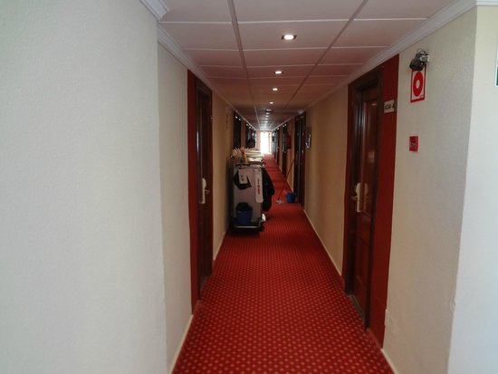 Hotel Helios Mallorca: Коридор и мой номер