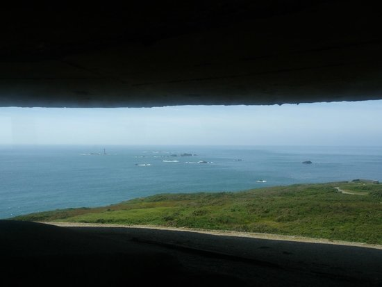 Pleinmont Observation Tower and Dolman Battery: Picture from one of the viewing levels