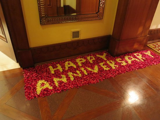 Rambagh Palace: Surprise : flower carpet