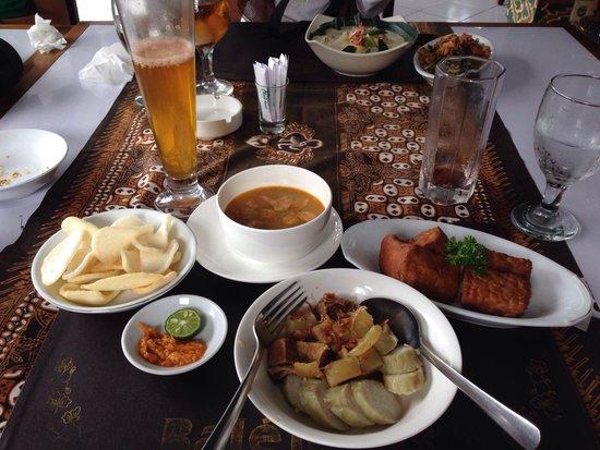 Royal Garden Restaurant: with jawa beer