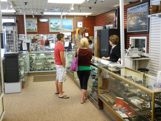 Republic Jewelry & Collectibles: some of the Jewelry Department