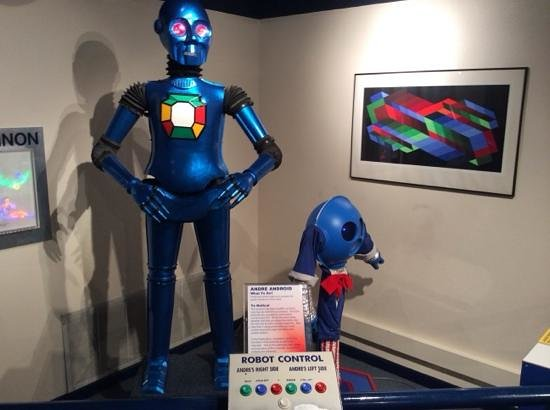 Tommy Bartlett Exploratory: Robots!