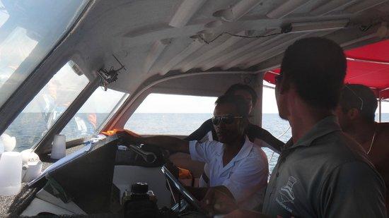 Borneo Dream Travel & Tours: Skipper and crew members on board