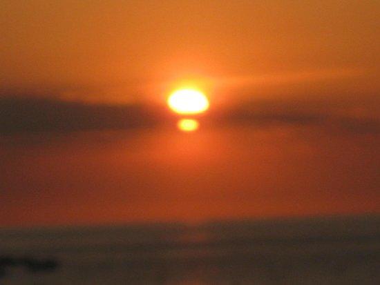 Hostal Victoria : Sunrise in Tossa de mar