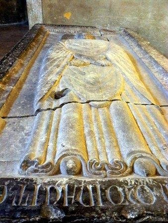 Basilica San Lorenzo Maggiore : detail of the tomb
