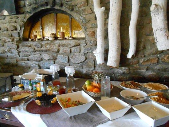 The Elegant Farmstead: Frühstücksbuffet