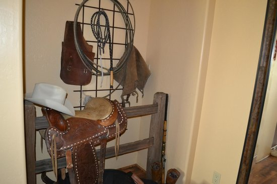 Boots and Saddles: Decor
