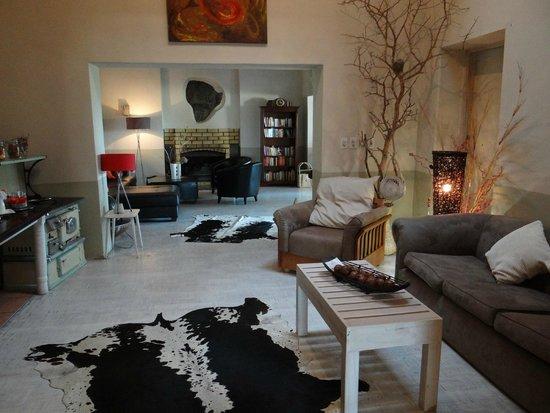 The Elegant Farmstead: Lounge