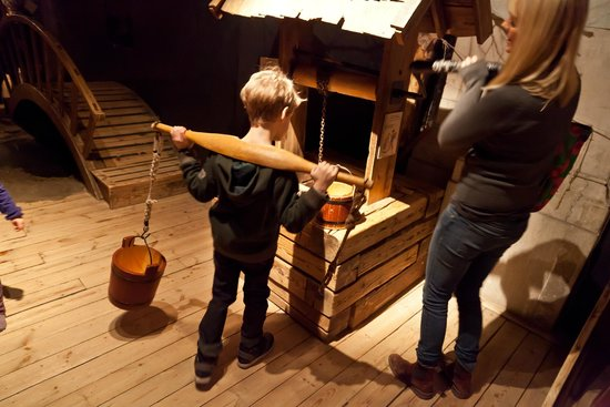Nordic Museum: ДЕТСКАЯ ДЕРЕВНЯ: колодец