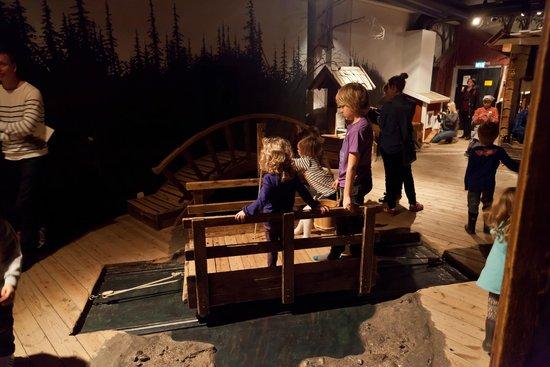 Nordic Museum: ДЕТСКАЯ ДЕРЕВНЯ: переправа