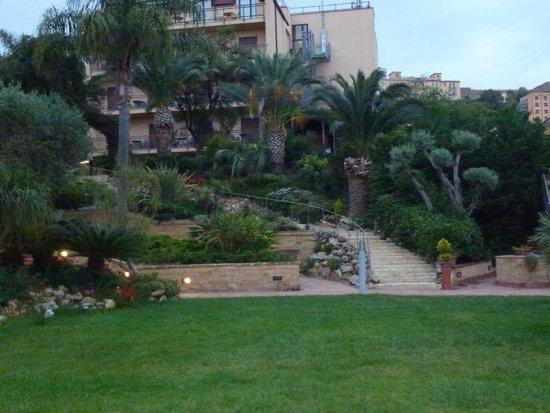 Hotel della Valle: Los jardines estan muy bien cuidados!