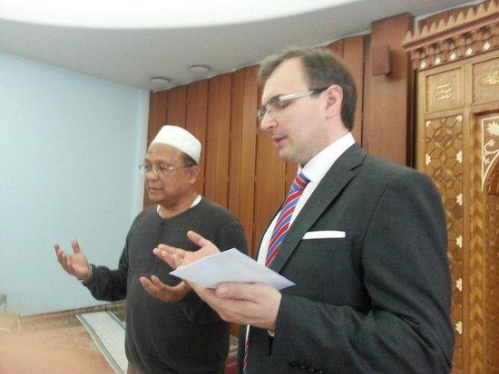 SPB Tours : Imam Ramil waited for us for prayers in Helsinki Islamic Cultral Centre.