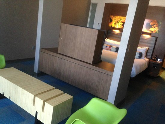 Aloft Orlando Downtown: Guest Room
