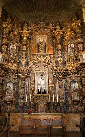 Mission San Xavier del Bac: View of the main altar