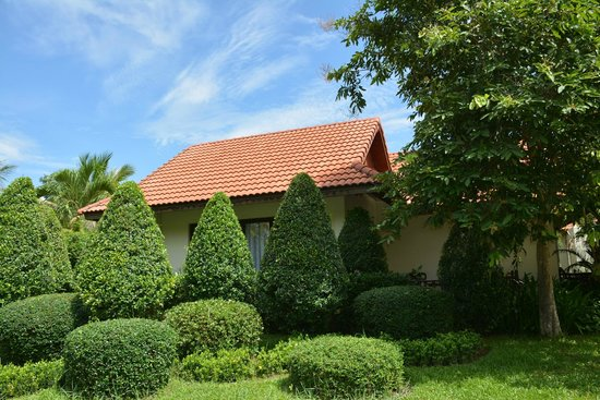 Angkor Palace Resort & Spa: Our Villa from the outside