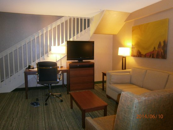 Hampton Inn & Suites Denver Downtown: Room 635 downstairs