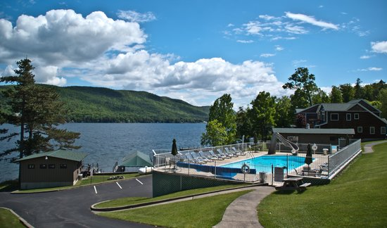Sun Castle Resort : Pool and Lakeview