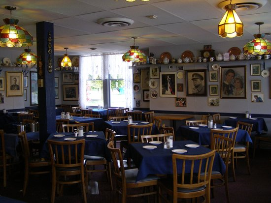 James Bay Tea Room and Restaurant: Between meal times, 2011