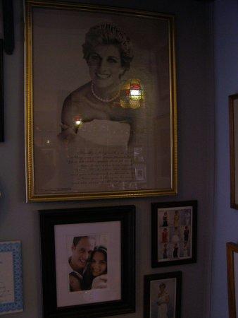 James Bay Tea Room and Restaurant: Royal pics
