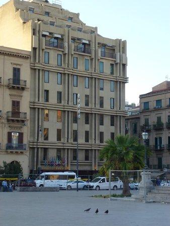 Politeama Palace Hotel : frente del hotel