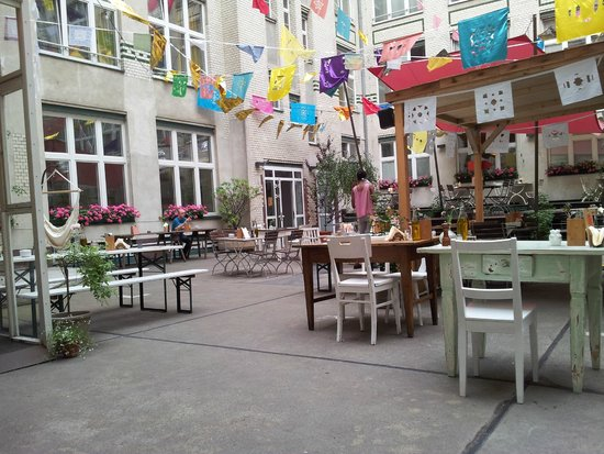 The yard picture of michelberger hotel berlin tripadvisor - Berlin hotel michelberger ...