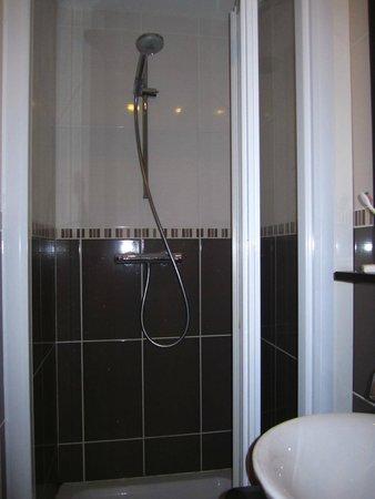 Comfort Hotel d'Angleterre : Bathroom