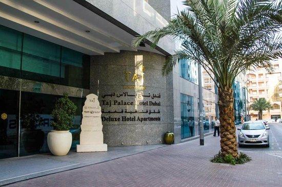 Jood Palace Hotel Dubai: Near Al Riggs Metro