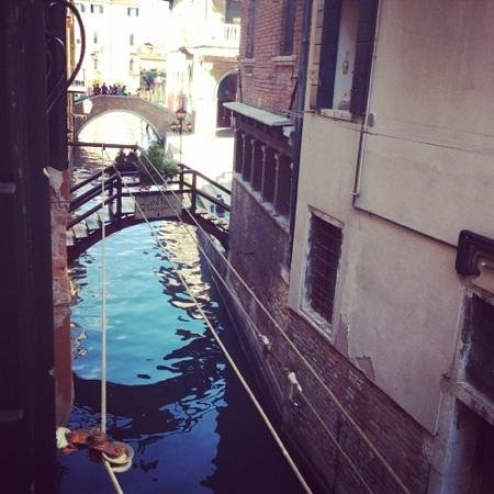 Locanda Poste Vecie : Canal near the hotel