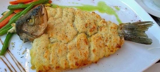 Ristorante San Marco: Branzino alla griglia con crosta di patate