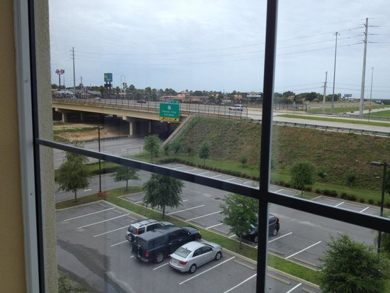 Comfort Inn & Suites Maingate South : View from room 411 too