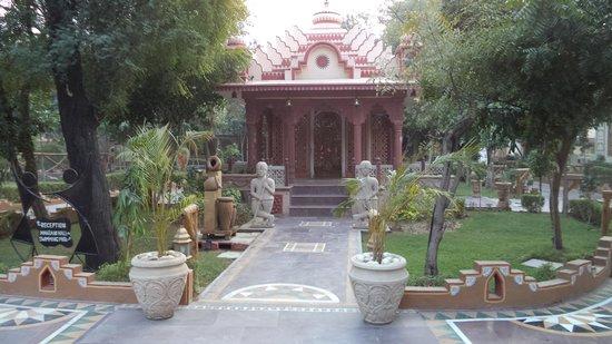 Chokhi Dhani Resort: При входе на территорию