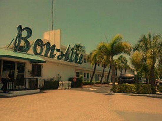 Bon Aire Resort: Wonderful Retro Vibe!