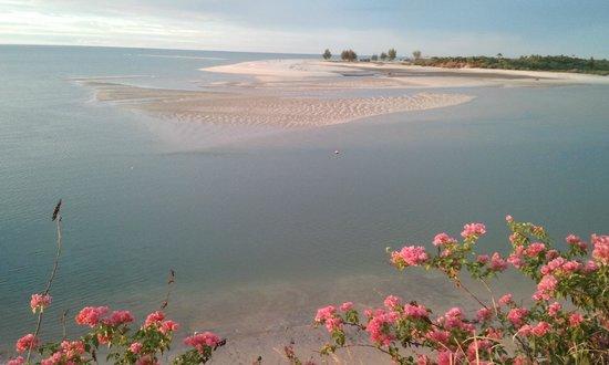Antsanitia Resort : vue depuis la piscine