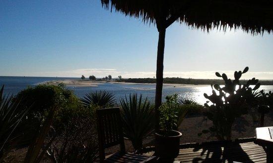 Antsanitia Resort: vue depuis la salla a manger