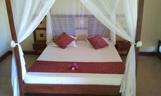 Antsanitia Resort : côté chambre