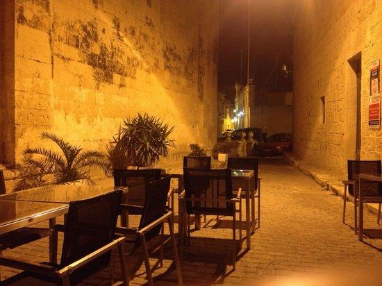 Fra Giuseppe Wine Bar : Outside seating....summer 2014